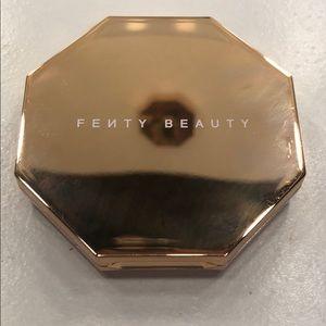 Fenty Beauty Sun Stalk'r Instant Warmth Bronzer